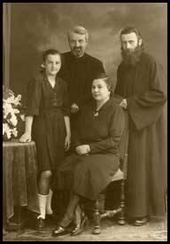 Familia Parintelui Arsenie Boca